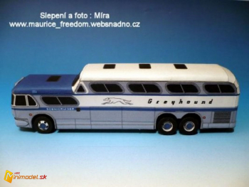 GMC Scenicruiser - Greyhound 2