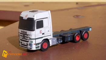 BB42 MBActros 2548 Fiege